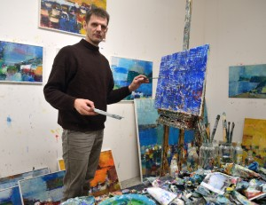 Finleif Mortensen working in the studio